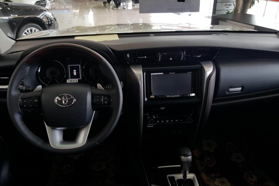 Xe Mới Toyota Fortuner 2.8V 4X4 AT 2018 283179 5